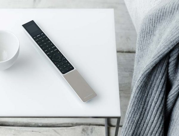 beoVision_avant_remote_on_coffeetable